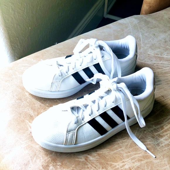 ✨ Adidas Cloudfoam Advantage Sneaker